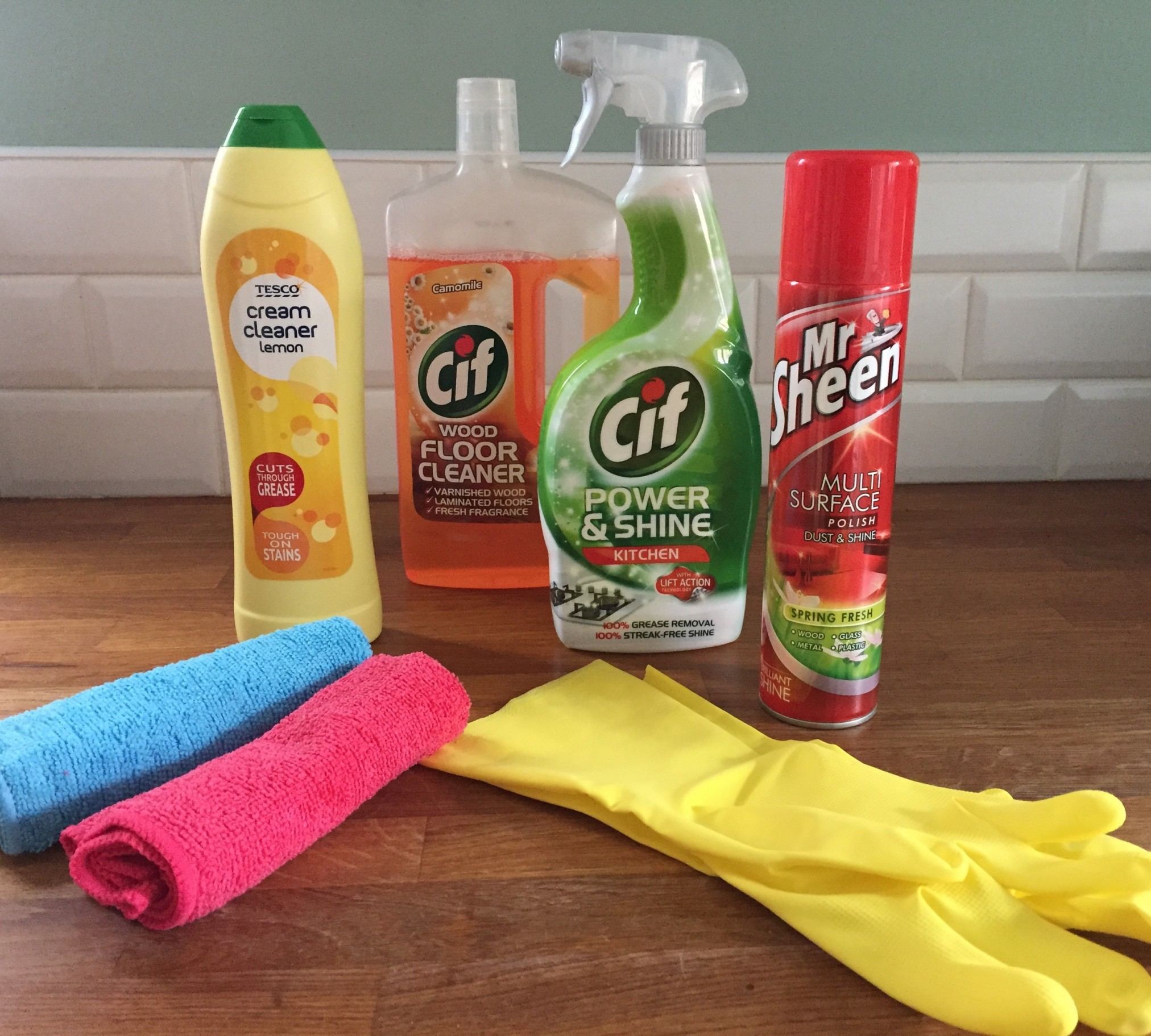 Cleaning products ready for cleaning with hassle.com