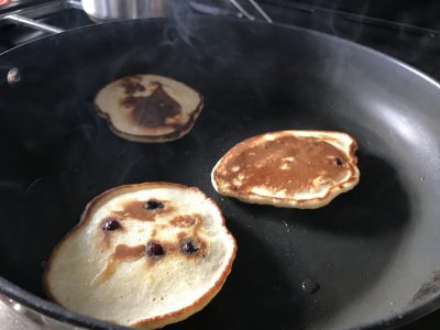 baby friendly blueberry pancakes